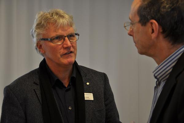 Beat Urech diskutiert mit Kirchenrat Martin Keller