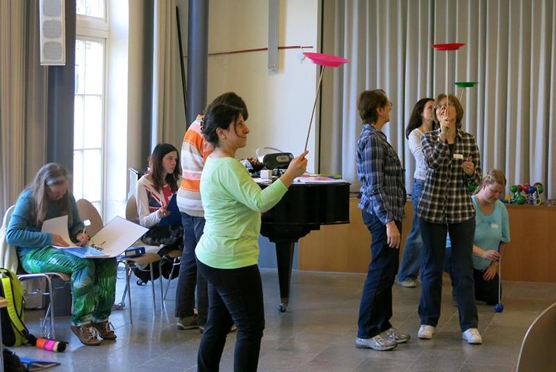 Spielend durch den Tag: Kaleidoskop-Diplomkurs vom 29. März 2014